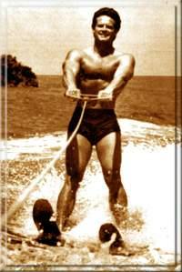 Катание на водных лыжах было одним из любимых занятий Стива