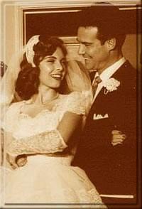 Первая свадьба. Первая жена Стива - актриса Сандра Смит