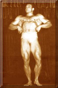 """Первые соревнования и первая победа - """"Мистер Западное Побережье"""". Портленд, Орегон, декабрь 1946 год."""