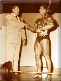 """Победа на """"Мистер Америка"""" 1947 года."""