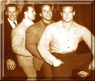 """""""Линия Мистеров Америка"""": Алан Стефен (1946 год), Клэнси Росс (1945 год), Джордж Эйфферман (1948 год) и Стив Ривз (1947 год)."""